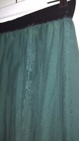 H&M size 10 green skirt with velvet waist