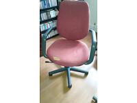 An second hand office desk chair still useable.