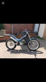 Has gas trials bike