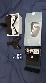 Samsung S7 Edge bundle with VR Gear Headset and Bluetooth Gaming pad £400 ono