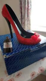 New wine bottle holder shoe