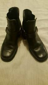 lee genuine leather boots size 5