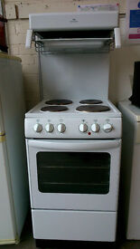 Freestanding electric cooker