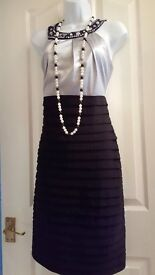 SCARLETT NITE BLACK AND SILVER EMBELLISHED SLEEVELESS PARTY EVENING DRESS Sz 10