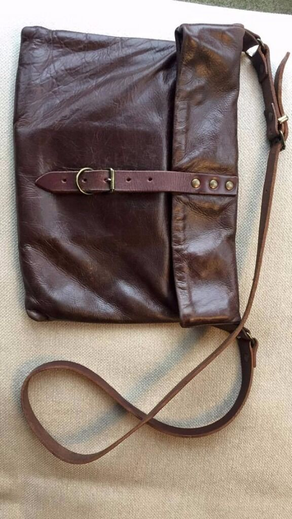 Leather Mimi Berry Medium Musette Bag