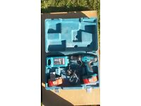makita drill and 2 batteries