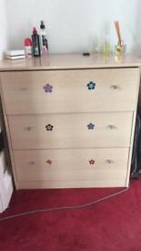 Bedroom chest of drawers / dressing table