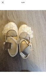 Girls shoes brand new with tags size 6 ivory bridesmaid shoes