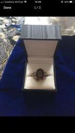 Vintage 9 carat gold Ring