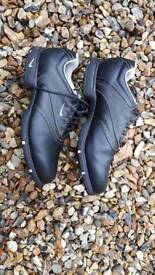 Mens Nike Golf Shoes (size 9)
