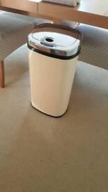 Murphy Richards medium cream sensor bin
