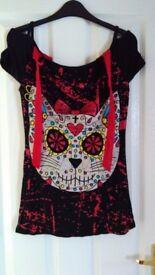 Ladies Gothic style cat print t shirt size 10 - 12