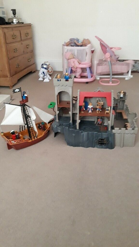 Playmobil 6000 Royal Lion Knight S Castle And Pirate Ship