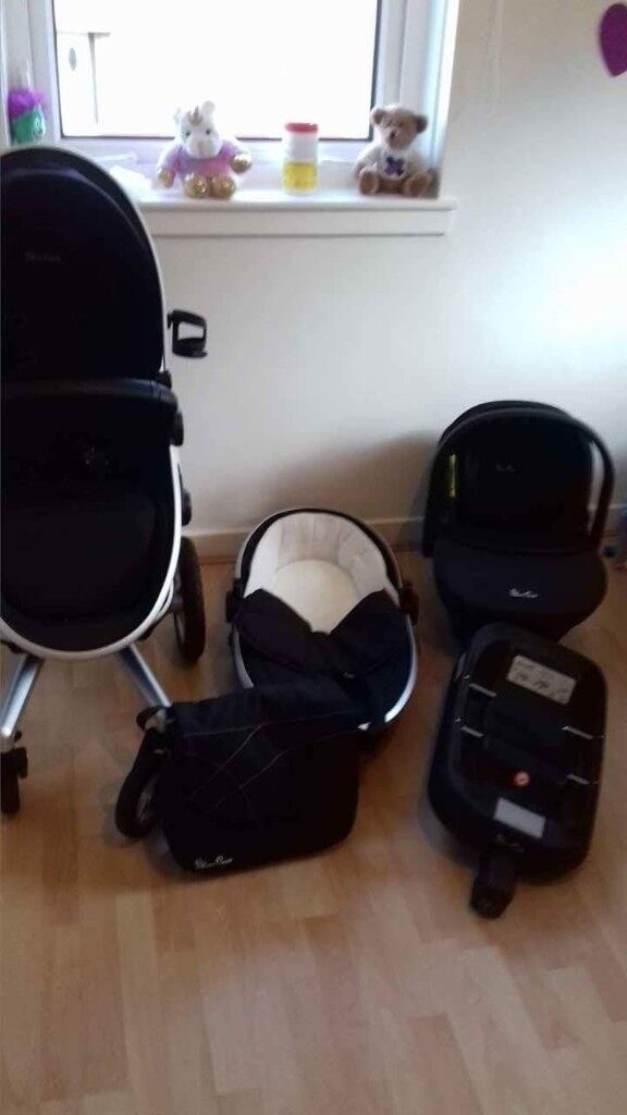 Pram Silvercross Surf travel system. Carrycot, buggy, car seat, isofix adapter, raincover.