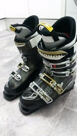 Salomon Idol 8 Ladies ski boots size 25 uk 6