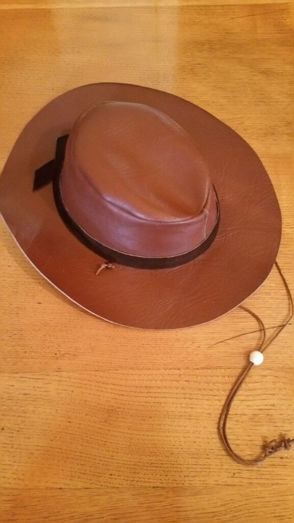 43ef9f8fd6d Brown Leather   Crocodile Dundee   Australian Bush Hat
