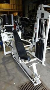 Appareil commercial Chestpress Incline