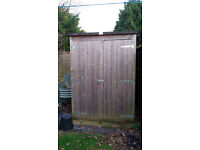 GARDEN SHED WOOD WITH ASPHALT ROOF - GOOD CONDITION - LOCKS -FLOOR