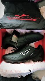 Concave men's football boots size 8.5 used once