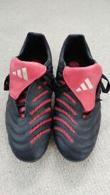 Mens Size 8.5 Adidas Traxion Football Boots