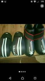 Teenager sparring gloves and boots
