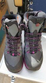 Walking Boots - Womens size 6.5 - Mammut - worn once
