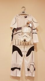 New with tags Star Wars Storm Trooper fancy dress with plastic mask 4-5yrs