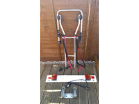 HALFORDS TOWBAR 3 CYCLE CARRIER AND LIGHTING BOARD