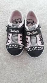 Skechers light up shoes size 8