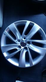 18in ALLOY WHEELS IN GREAT CONDITION WITH BRAND NEW TYRES. (full set)