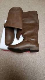 Brown zuri boots