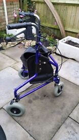 Tricycle shopper/walker with brakes AND holdall