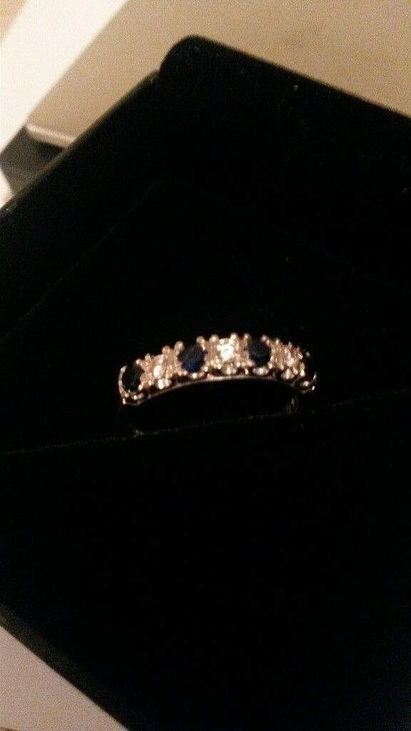 stunning 18ct white gold diamond and sapphire ring ladies high quality