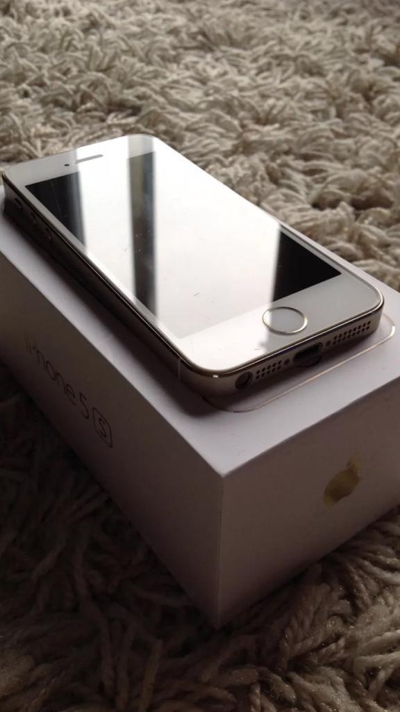 Looks like new iPhone 5s 32gb unlocked to all networkin Whitechapel, LondonGumtree - Looks like new iPhone 5s 32gb unlocked to all network. No scratches or dents. All functions work perfectly. No offer please. Last £210Comes with charger box and new apple earphone. L