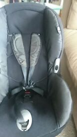 Maxi Cosi Priori Car Seat with universal isofix base, excellent condition occasional use