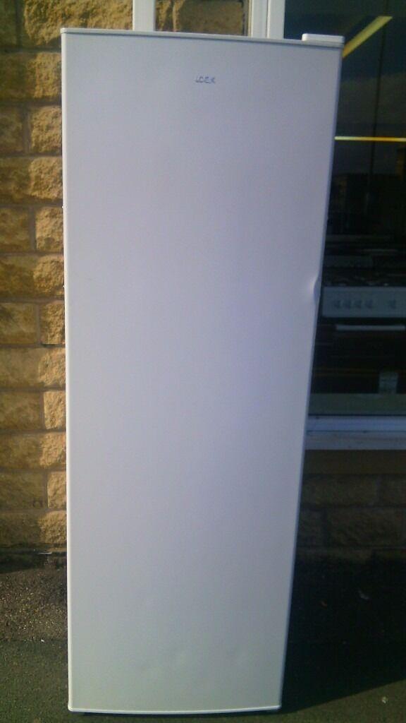 LOGIK fridge slightly marked Ex display
