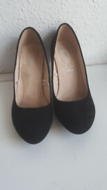 Women's Black Low Heel Court Shoe, Size 7, Wide Fit, Real Leather Insock