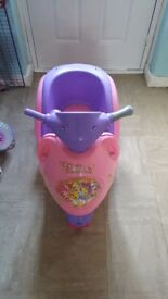 Girls 6v electric scooter