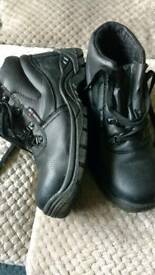 Black work boots size 9