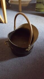 Black and brass coal scuttle/planter in excellent condition