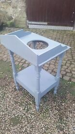 Old style wash basin stand