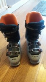 Junior ski boot