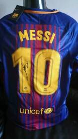 Messi signed Barca shirt with Coa