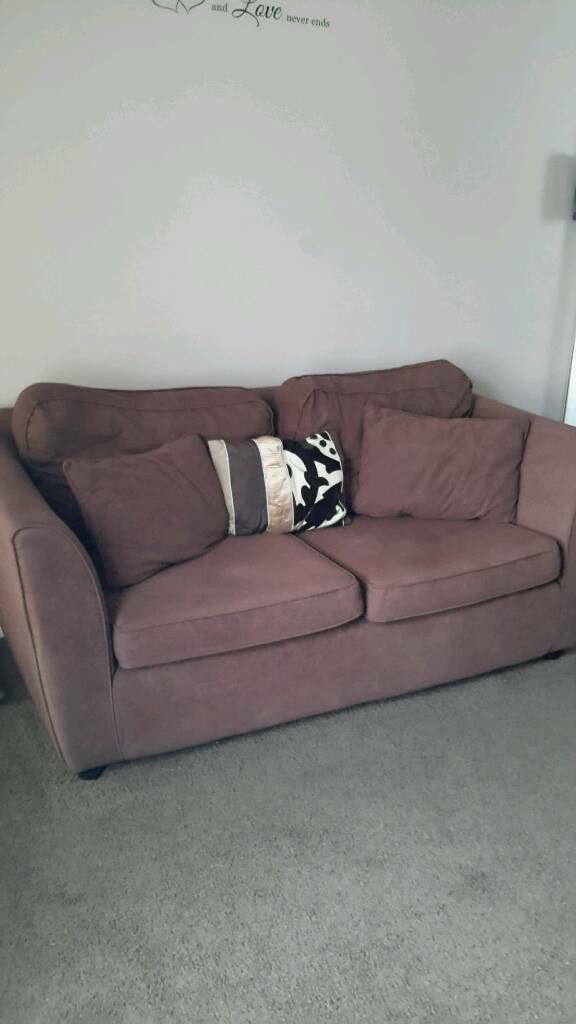 Free sofain Gorleston, NorfolkGumtree - FREE FREE FREE large chocolate sofa, excellent condition, only used for 6 months but wanted two 2 seaters, outside in my front garden, first to collect can have!