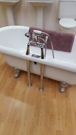 Bath roll top victorian style with feet and taps