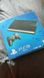 Mint condition PLAYSTATION 3 500GB Slim with 2 Controllers and 14 Games