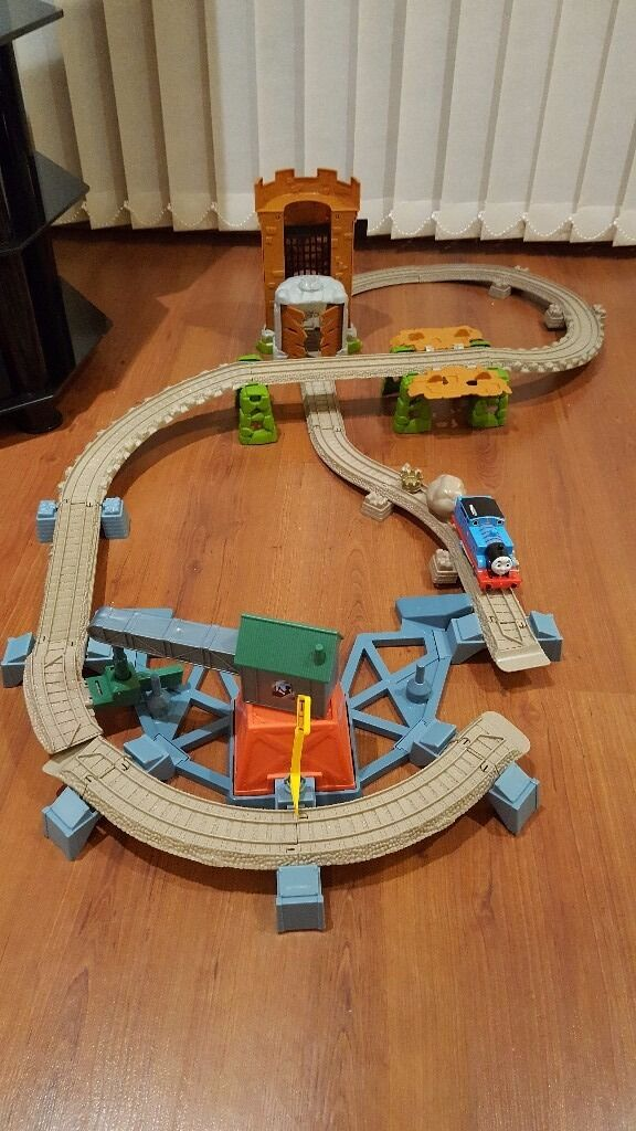 Thomas The Tank Engine Train Tracks X 2 In Excellent Condition