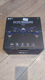 Hubsan H501S X4 FPV Drone / Quadcopter. Used 4 times, boxed, AS NEW