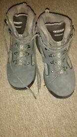 Ladies Hi-tec boots