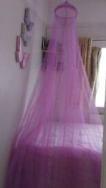 Pretty pink sequinned canopy. Like new! In excellent condition